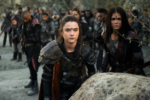 Madi in the Battlefield - The 100 Season 5 Episode 13