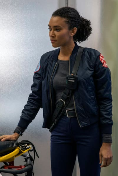 Foster drop off - Chicago Fire Season 8 Episode 18