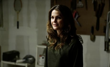 Elizabeth Changes Tactics - The Americans Season 5 Episode 13