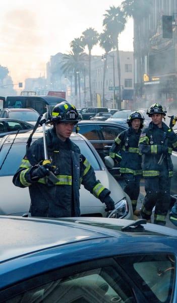 Navigating the Streets - 9-1-1 Season 5 Episode 1