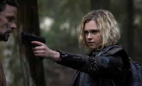 Clarke Faces Off  - The 100 Season 5 Episode 10