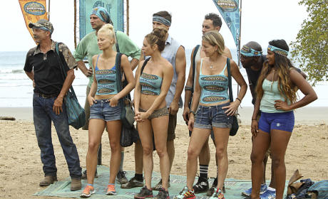 18 Contestants Arrive - Survivor