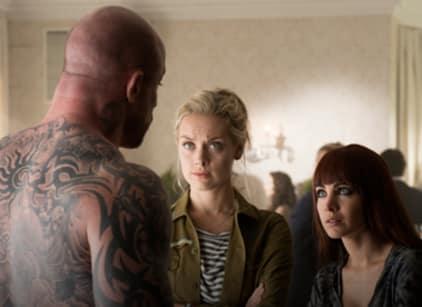 Watch Lost Girl Season 4 Episode 5 Online
