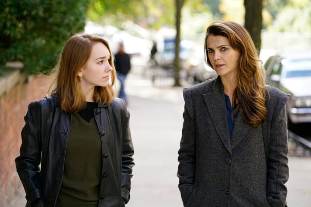 Mother Spy and Baby Spy - The Americans Season 6 Episode 2