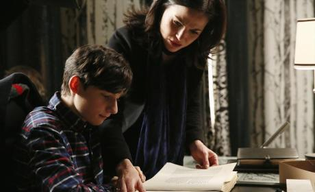 She Has Henry - Once Upon a Time Season 4 Episode 14