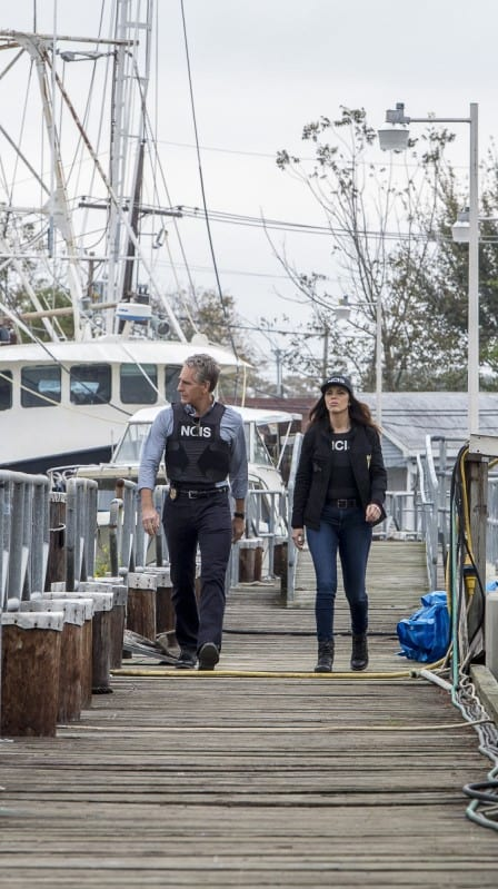 on The Waterfront - NCIS: New Orleans Season 3 Episode 13