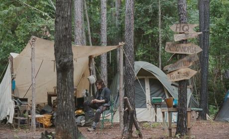Let's Go Camping! - The Walking Dead Season 9 Episode 4