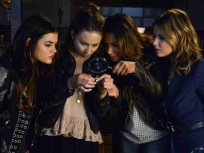 Pretty Little Liars Season 4 Episode 17