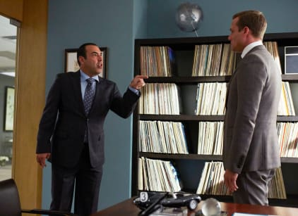 Watch Suits Season 4 Episode 13 Online