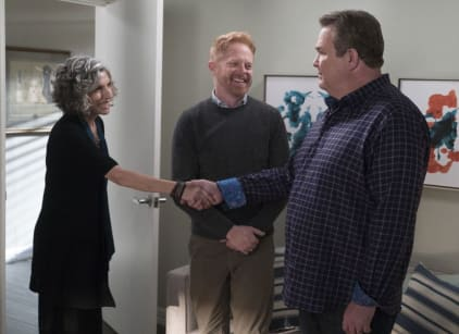 Watch Modern Family Season 9 Episode 11 Online