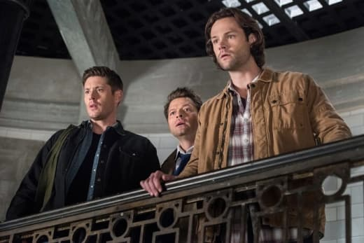 The Gang Arrives - Supernatural Season 13 Episode 23