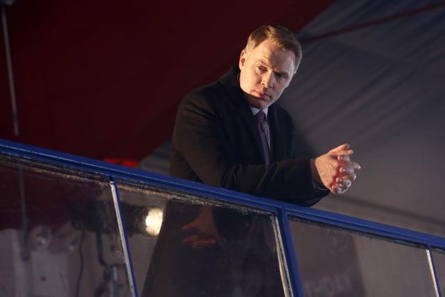 Ressler keeps a look out - The Blacklist Season 4 Episode 18
