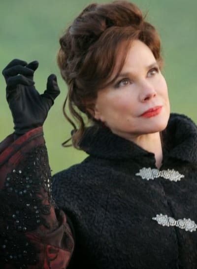 Cora Uses Magic - Once Upon a Time Season 1 Episode 18