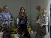 Modern Family Season 9 Episode 22