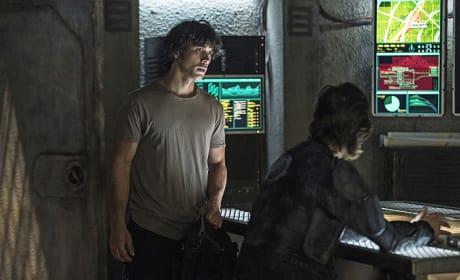 Kane and Bellamy Looking Tense - The 100 Season 3 Episode 4
