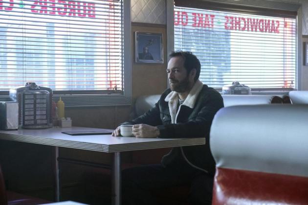 Cup of Warmth - Riverdale Season 1 Episode 13