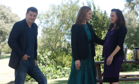Brennan and Booth join Daisy at a memorial service for Sweets - Bones Season 10 Episode 2