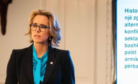 (TALL) Elizabeth's Presentation - Madam Secretary Season 5 Episode 9