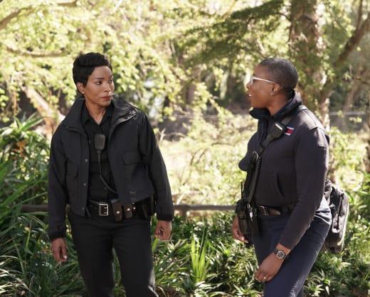 Working Together - 9-1-1 Season 1 Episode 8