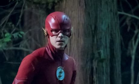 The Flash Tries To Save Barry- Season 5 Episode 3
