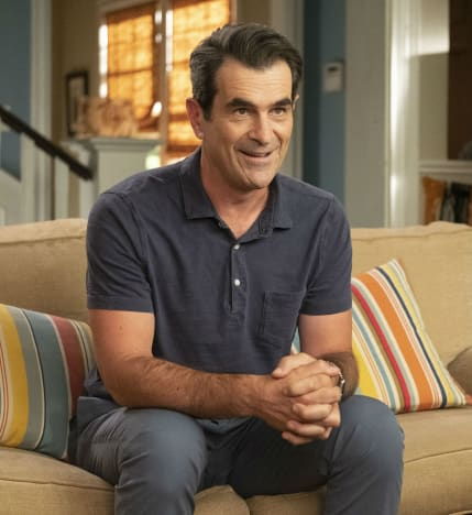 Phil Talks on the Couch - Modern Family Season 10 Episode 5