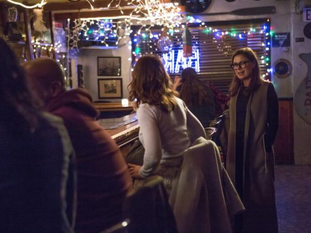 Unexpected Bar Visit - The Affair Season 3 Episode 8