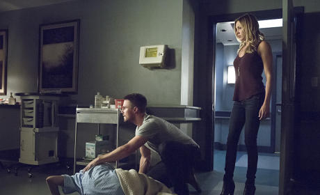 On the Floor - Arrow Season 4 Episode 5