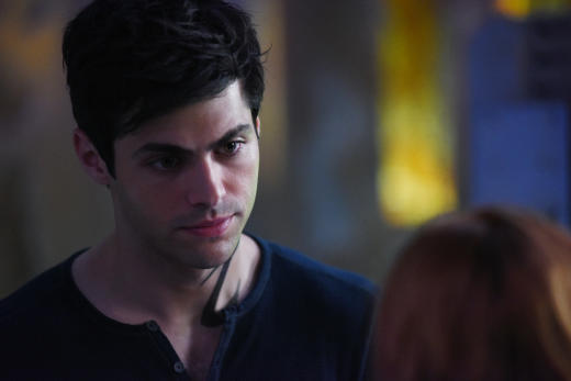 Alec Distraught - Shadowhunters Season 2 Episode 2