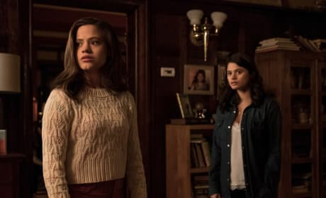 Charmed Pilot 1 - Charmed (2018) Season 1 Episode 1 - Charmed (2018)