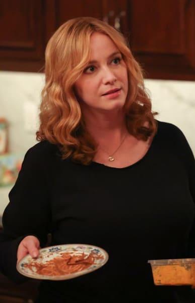 Dinner Clean Up - Good Girls Season 4 Episode 14