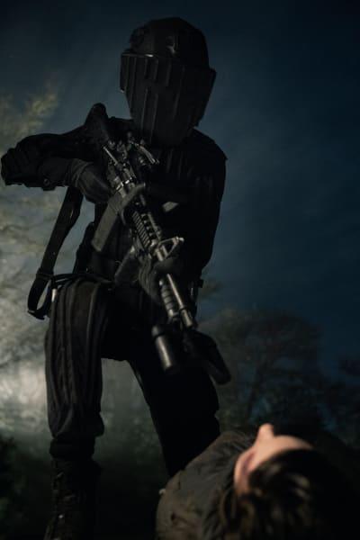 A Villain Takes Aim - Fear the Walking Dead Season 5 Episode 5