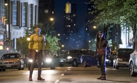 The Flash: Photos From The Season 4 Premiere!