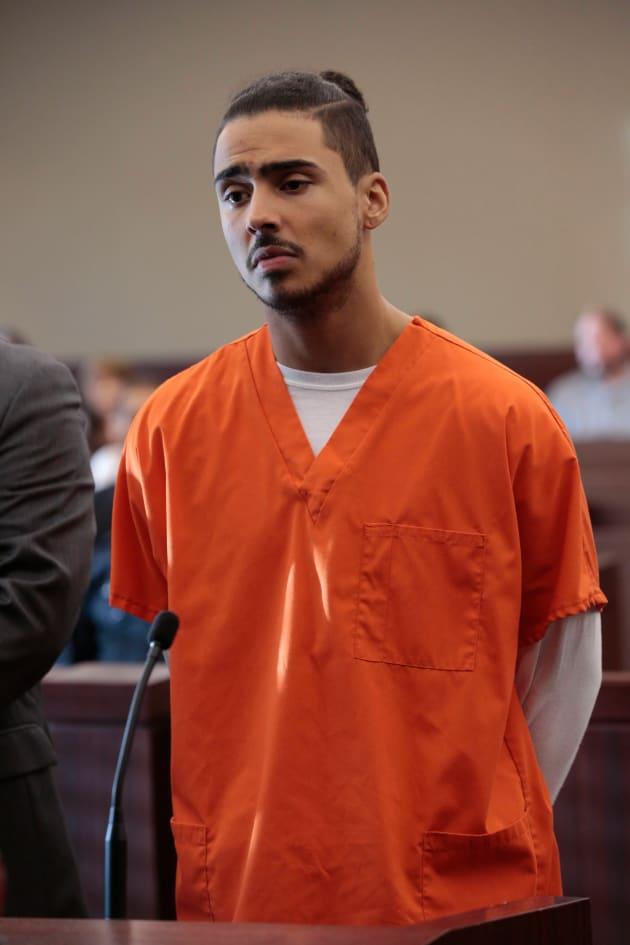 Derek in court - Star Season 1 Episode 8