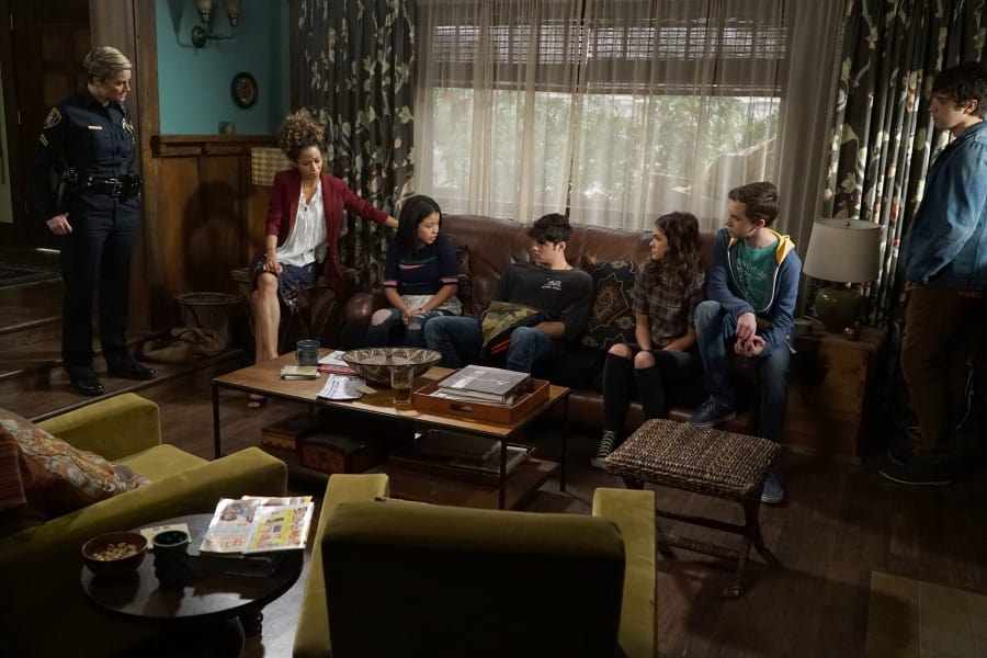 The Fosters Season 4 Episode 2 Review: Safe - TV Fanatic