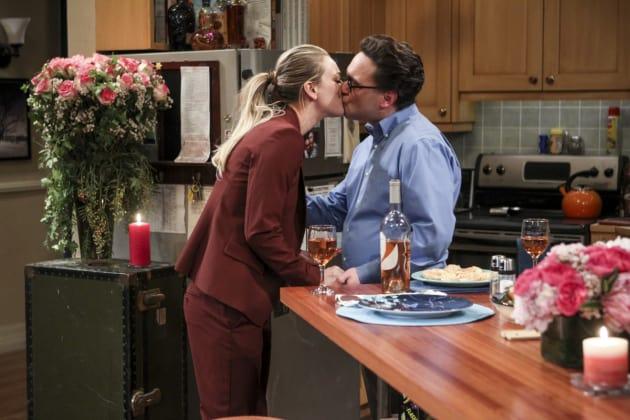 Kisses! - The Big Bang Theory Season 10 Episode 13