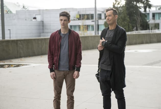 H.R.'s bags are packed - The Flash Season 3 Episode 11