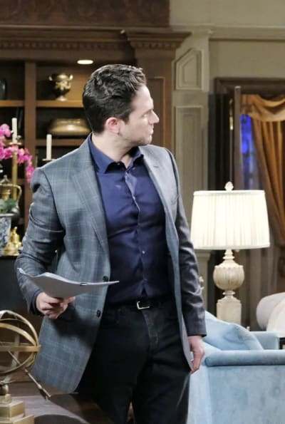 Hiding the Latest Body - Days of Our Lives