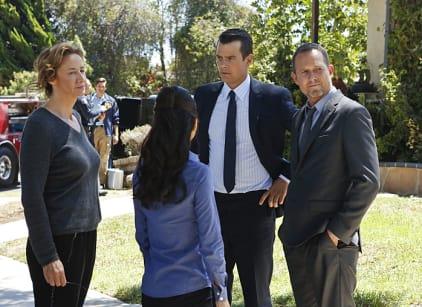 Watch Battle Creek Season 1 Episode 5 Online