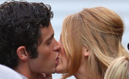 Gossip Girl Spoilers: Hot Derena Kiss Alert!