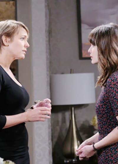 Sarah Talks to Nicole - Days of Our Lives