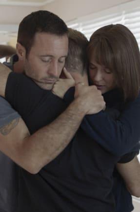 Family Hug - Hawaii Five-0 Season 9 Episode 12