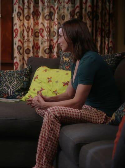 Sitting and Listening - Tall - Grey's Anatomy Season 17 Episode 4