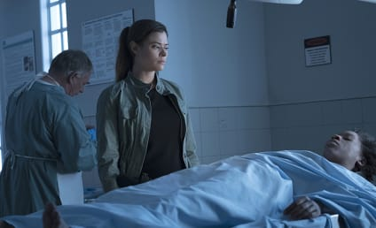 Frequency Season 1 Episode 7 Review: Break, Break, Break