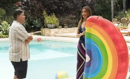 Modern Family Season 10 Episode 2 Review: Kiss and Tell