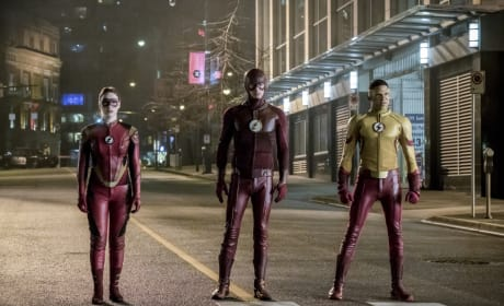 Speedster Squad - The Flash Season 3 Episode 14