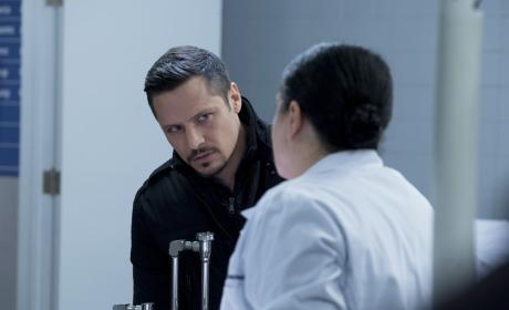 Rixton Works A Lead - Chicago PD Season 4 Episode 11