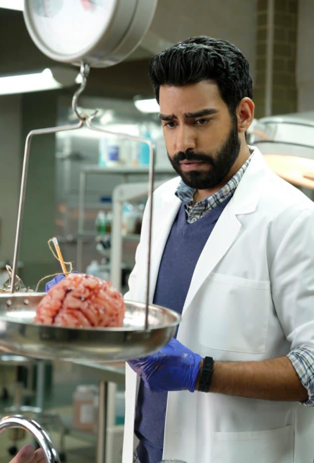 Mad Brain Scientist - iZombie Season 4 Episode 1
