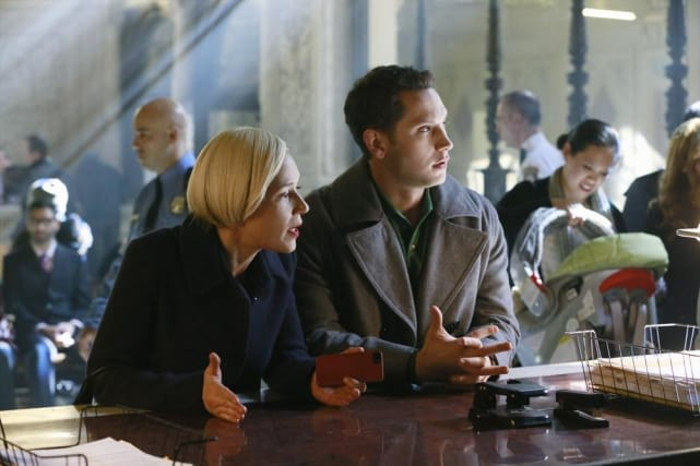 Bonnie and Asher On the Case - How To Get Away With Murder Season 1 Episode 10
