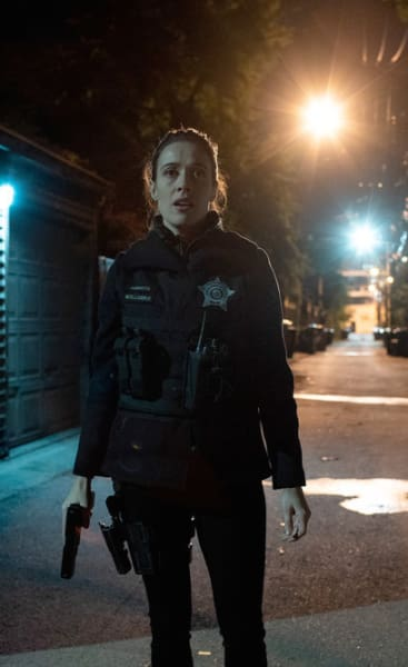 Chase Down - Chicago PD Season 6 Episode 9
