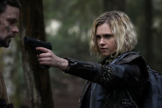 Clarke Faces Off  - The 100 Season 5 Episode 10